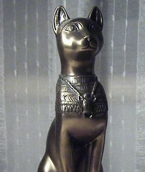 埃及的黑色猫神像