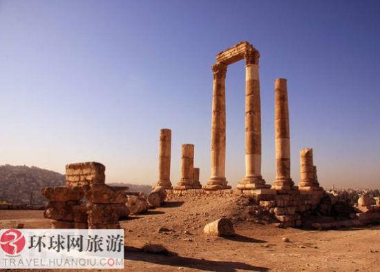 约旦,安曼的古罗马时代的圆柱