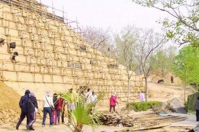 """新建""""古城墙""""(图片来源:中国文化报)"""