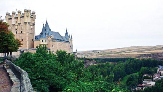 阿尔卡萨城堡确实有几分童话的色彩