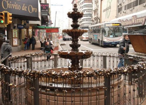 7南美乌拉圭的蒙得维的亚独立广场.jpg
