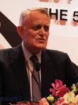 美林亚洲区总裁贺利华