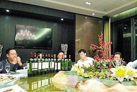 周少强被曝一顿晚餐洋酒七八万。(资料图片)