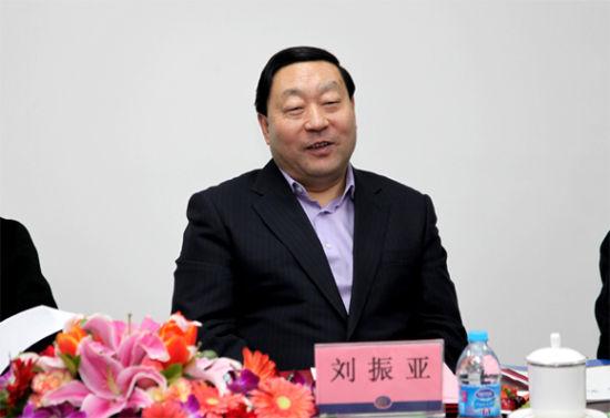 2004年年底,刘振亚就任国家电网公司总经理、党组书记,今年刚好是他掌舵国家电网的第十个年头。