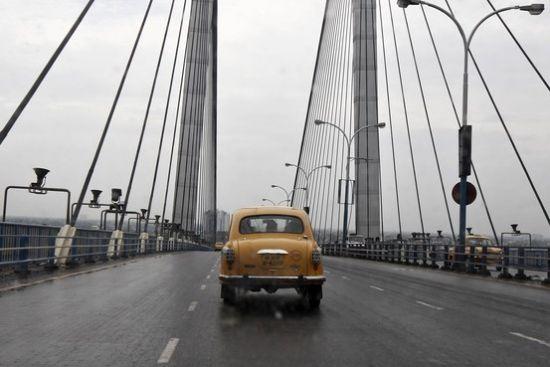 印度大使牌汽车停产 称雄半世纪终结束_亚洲经