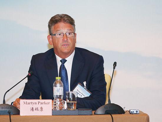 瑞士再保险全球合作主席潘瑞康(Martyn Parker)致辞