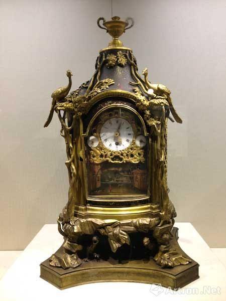 铜镀金鸟音座钟