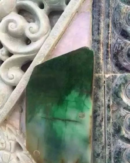 缅甸富豪用100亿翡翠盖房子