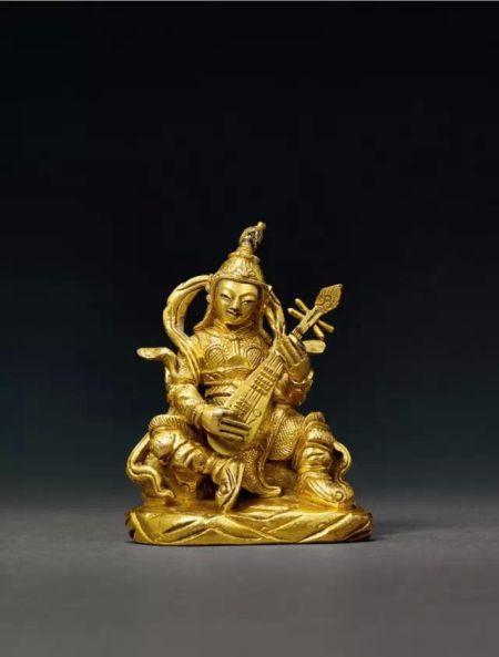 Lot.666 清乾隆铜鎏金持国天王坐像 5.8cm. High