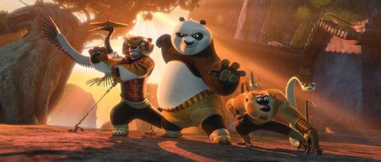 《功夫熊猫2》中的熊猫阿宝和与盖世五侠。(NY Times)