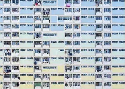 图8 香港政府修建的公屋 图:Lee Yiu Tung