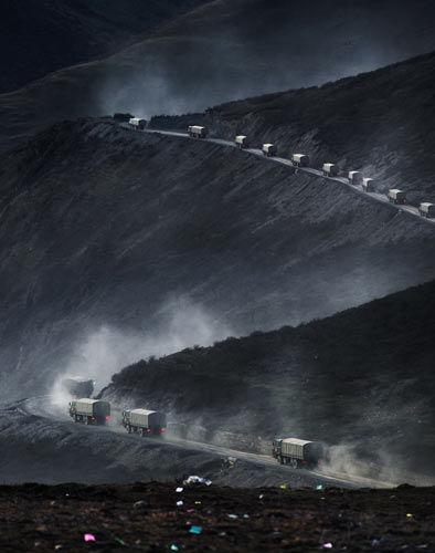 """""""见证西藏60年摄影展""""在北京举行(组图)"""
