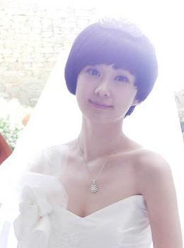 张娜拉可爱短发婚纱造型(图)图片