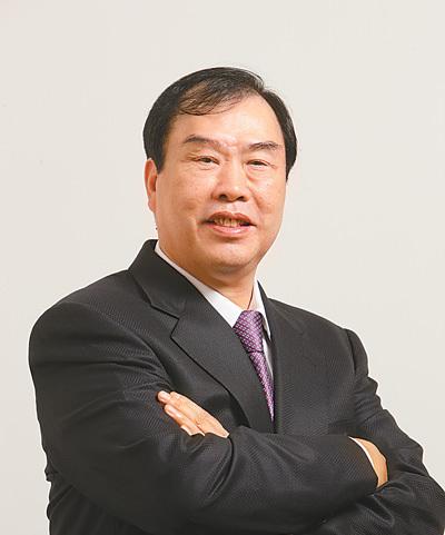 冠城大通董事长韩国龙:履行社会责任要长久做下去