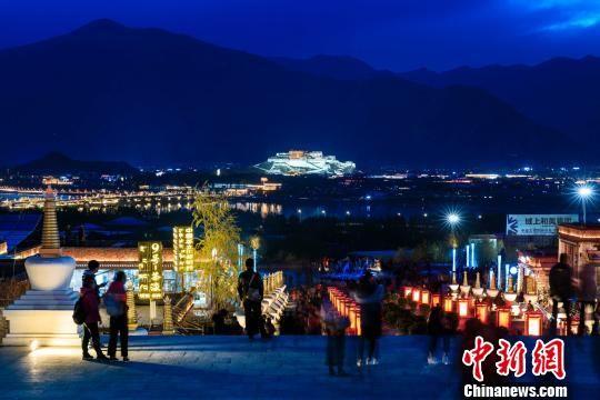 西藏文化旅游产业带动西藏百姓就地脱贫