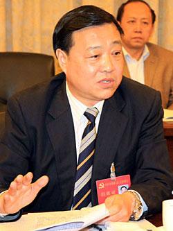 图文:天津市商务委主任李泉山