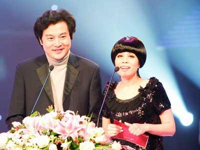 著名歌手朱哲琴和著名旅美小提琴家吕思清