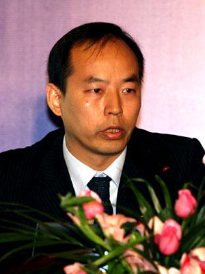 图文:深圳证券交易所上市推广部副总监邹雄