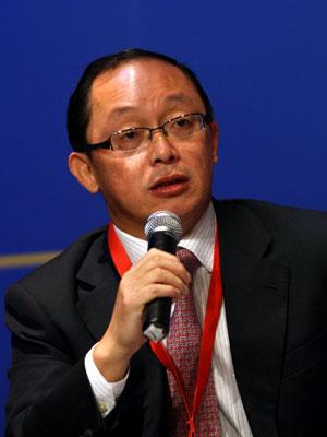图文:中国宽带产业基金董事长田溯宁