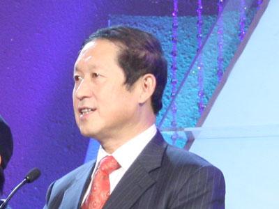 图文:全国工商联副主席孙晓华先生开奖