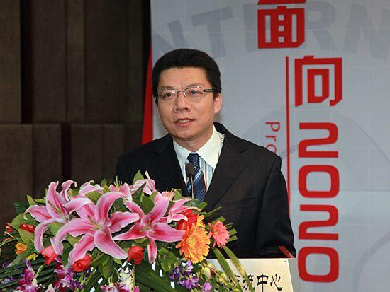 """""""第八届中国文化产业新年论坛""""于2011年1月8日-9日在北京召开。上图为北京大学文化产业研究院研究员、文化金融研究中心主任喻文益。(资料图片)"""