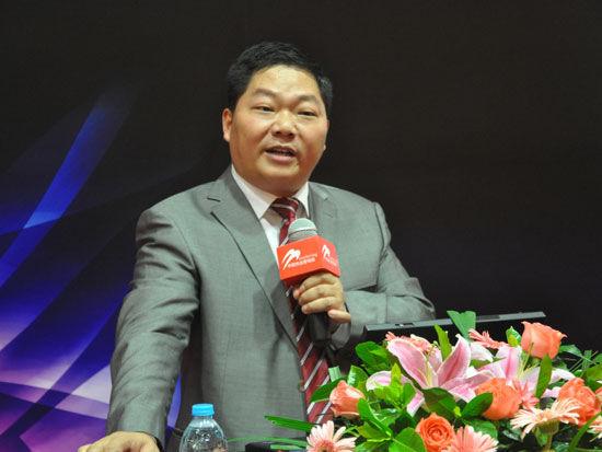 2011-2011年度中国精巧营销奖分类赛于9月3、4日在中欧国际工商学院举行。上图为艳阳(中国)度假连锁团体首创人、董事长夏建文。(资料图片)