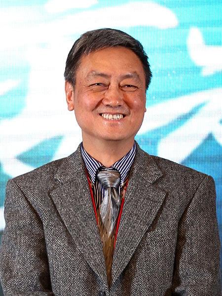 """2012年11月30日,由《英才》杂志发起,联合新浪网、北京青年报等主流媒体,共同举办的""""2012(第十二届)中国年度管理大会""""在北京举行。图为中国电子科技集团公司总经理熊群力。(图片来源:新浪财经)"""