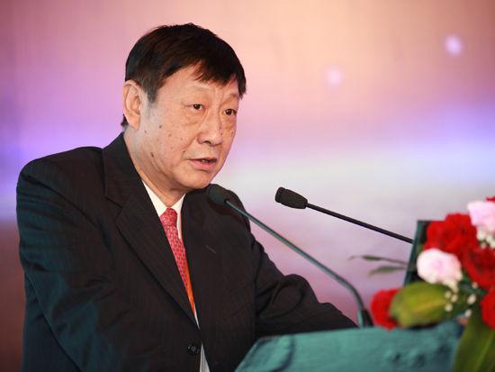 """""""三亚-财经国际论坛""""于2012年12月15日-17日在海南省三亚市举行。上图为中国银行首席经济学家曹远征。(图片来源:新浪财经 梁斌 摄)"""