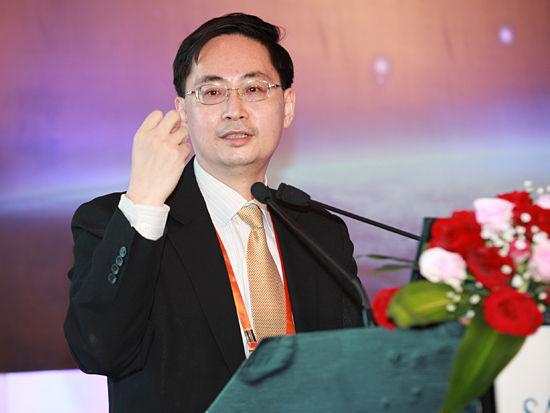 """""""三亚-财经国际论坛""""于2012年12月15日-17日在海南省三亚市举行。上图为德意志银行董事总经理、大中华区首席经济学家马骏。(图片来源:新浪财经 梁斌 摄)"""