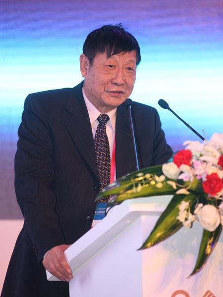 """""""2012第二届产业中国年会""""于12月21日在北京召开。上图为中国银行首席经济学家曹远征。(图片来源:新浪财经 梁斌 摄)"""