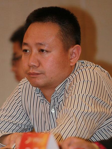 图文:新疆和谐房地产公司董事长李春风图片