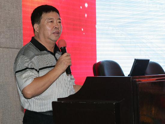 """""""第六届全国售后服务评价活动""""于2013年9月8日在北京揭晓。上图为著名企业维权专家王寿魁。(图片来源:新浪财经)"""