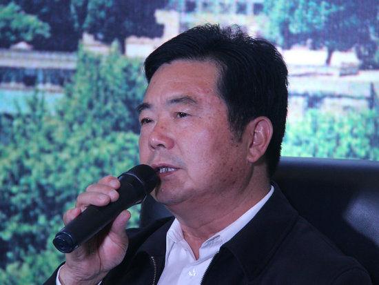 """""""中国文化名酒复兴论坛:穿越文明 对话未来""""于10月6日在武汉举办。上图为全国人大代表、中国酿酒大师,安徽迎驾贡酒股份有限公司董事长倪永培。"""