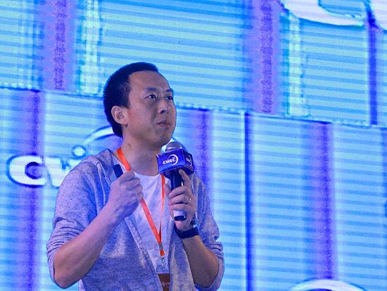 由浙江省人民政府主办,中国服务贸易协会电子商务委员会、中国电子商务产业联盟、义乌市人民政府联合承办的2015中国(义乌)世界电子商务大会于4月12-13日举行。上图为有赞微商城创始人兼CEO白鸦。(图片来源:新浪财经 刘海伟 摄)