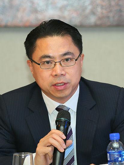 复华控股有限公司总裁彭飞