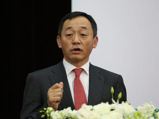图为万向信托有限公司董事长、原博时基金总裁肖风。
