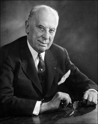首任CEO Alfred P. Sloan, Jr.在任:1923年5月10日-1946年6月3日