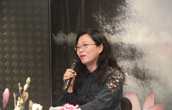 依文带给中国一枚赛场外的文化金牌
