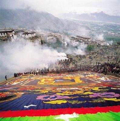 8月玩乐雪顿节 穿越雅鲁藏布大峡谷(图)