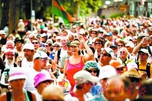 全球规模最大徒步 4万选手荷兰踏上征途(图)