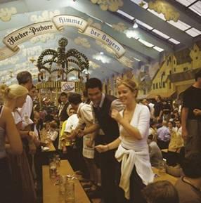 慕尼黑啤酒节 从婚礼庆典到世界民间节日的蝶变