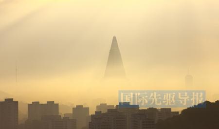 感受朝鲜:24小时营业商店 首次用上手机(图)