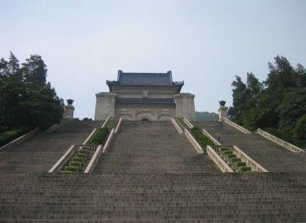南京中山陵陵寝完成维护 向游客免费开放(组图)