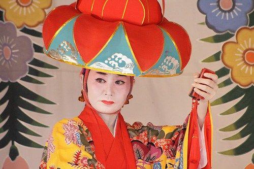 日本冲绳有2万中国人后裔 记者探秘解读历史