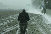 雪后道路泥泞