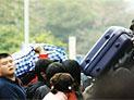 东莞车站站长因列车员帮旅客爬窗被免职