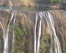 黄果树大瀑布水量剧减
