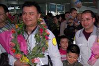 新疆首批救灾医疗队返回