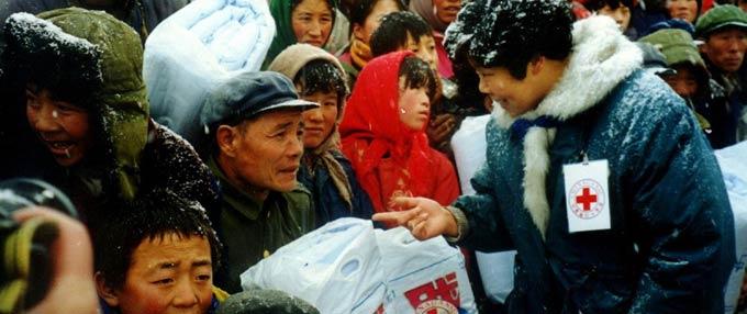 中国红字会在救援第一线