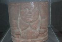 西夏博物馆藏人像石座